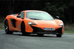 Chris Harris conduit la nouvelle McLaren 650S