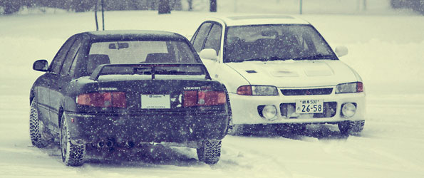2 x JDM Lancer Evo 1 in the snow